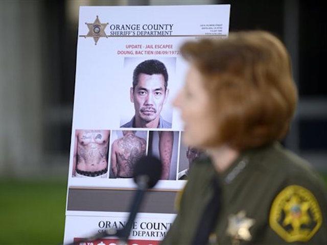 5 Arrests In Search For Escaped Inmates Escapees Still Free Kmtv Com