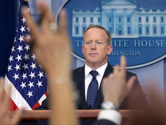 Sean Spicer admits he 'screwed up royally'
