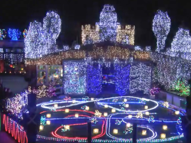 this christmas light display in new zealand includes more than a half million lights