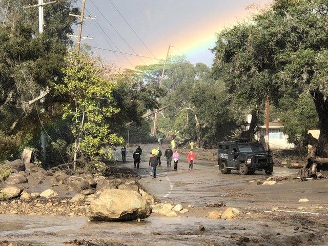 'Window closing' to find survivors in USA mudslide