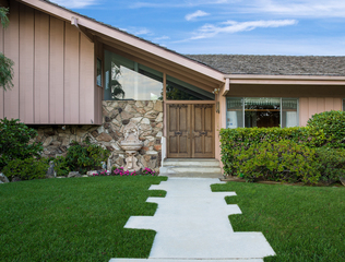 PHOTOS: 'The Brady Bunch' house is for sale