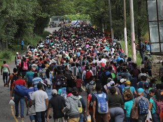 Migrant caravan expands to some 5,000 people